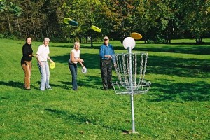 6-10-15-Playing disc golf