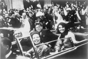 1024px-John_F._Kennedy_motorcade,_Dallas_crop (1)