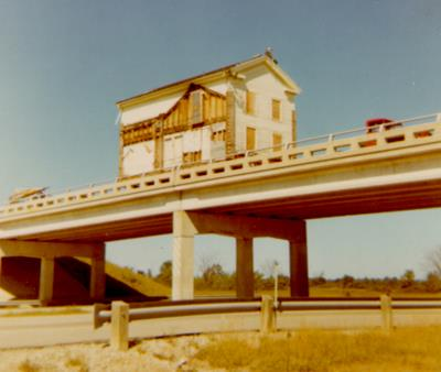 Caswell-moving_over_I-75-1968