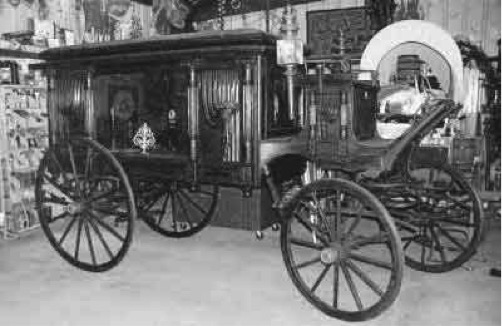 [image of an 1894 Rock Falls hearse, image from coachbuilt.com]