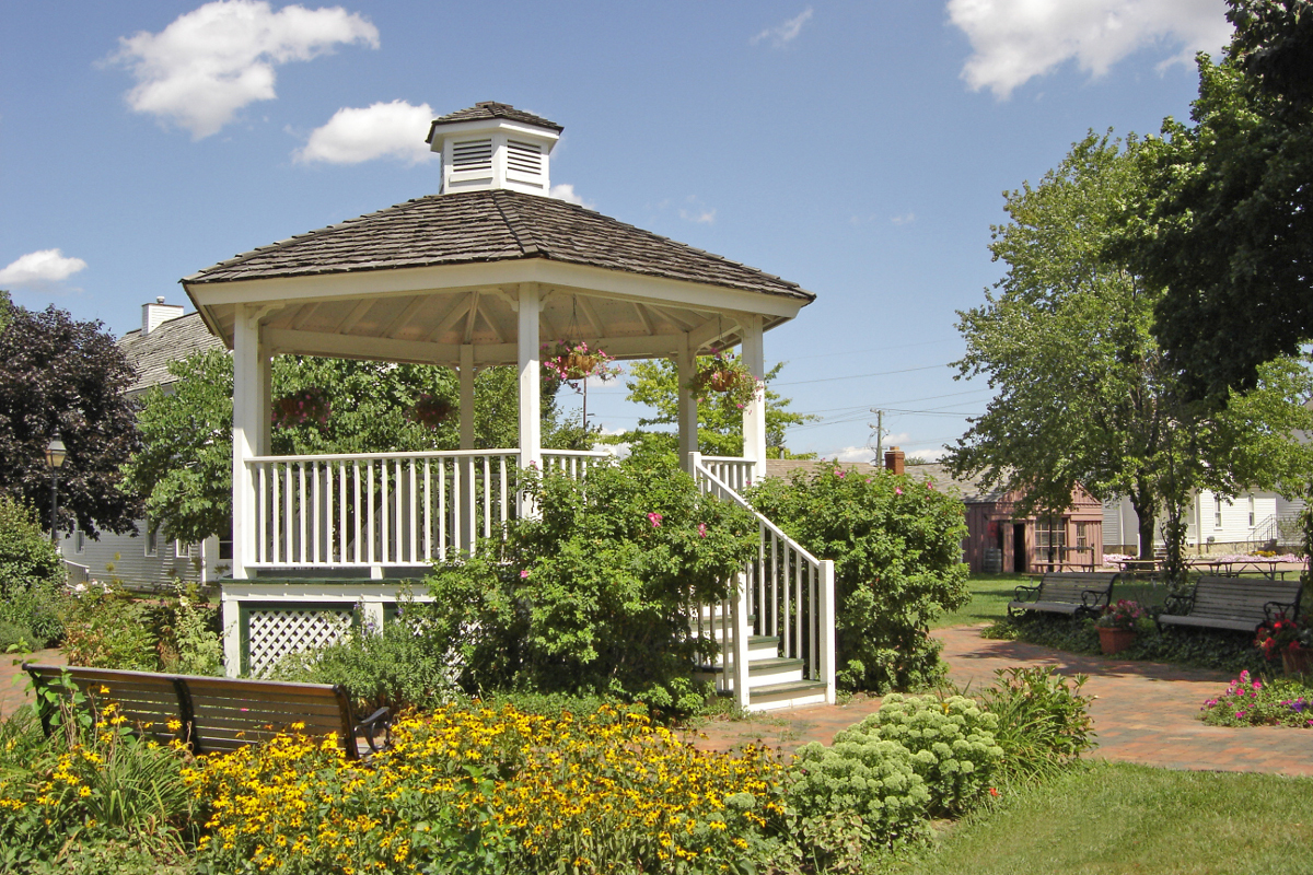Gazebo in the summer - great for photo shoots