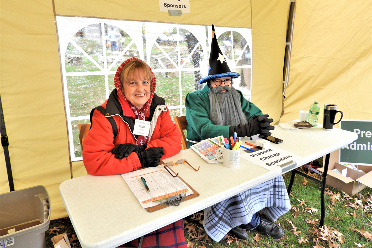 Admission Tent Volunteers Beate Loftus and John Lavender